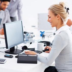 internet au bureau des fins personnelles c 39 est une heure par jour en moyenne et vous. Black Bedroom Furniture Sets. Home Design Ideas